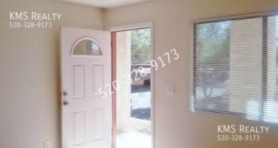 2 bedroom 1 bath Condo - Grant Road & Oracle