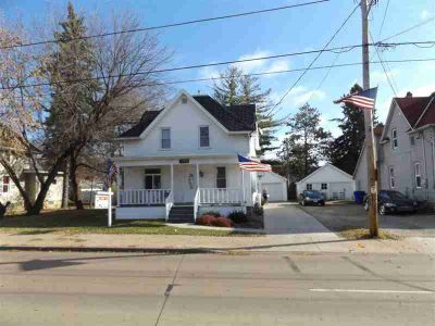 1004 N RICHMOND Street Appleton Three BR, Welcome to this