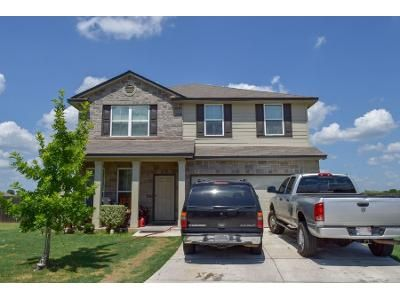 4 Bed 3 Bath Preforeclosure Property in New Braunfels, TX 78130 - Westover Loop