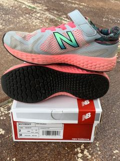 Girls size 2 NB shoes