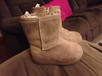 Toddler girl boots size 5