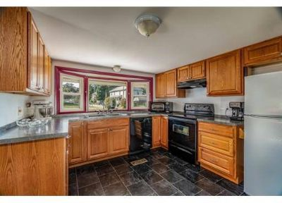 12 Coolidge Rd Chicopee, This Two BR, One BA