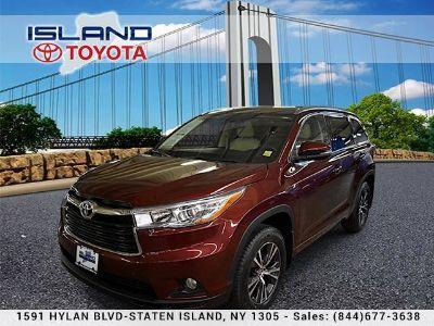2016 Toyota Highlander XLE (Ooh La La Rouge Mica)