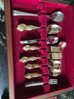 Gold plated dinner utensils in excellent shape!