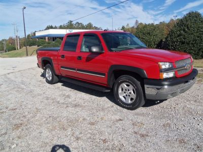 2004 Chevrolet Silverado 1500 LS (Red)