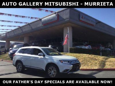 2017 Mitsubishi Outlander SE (White)