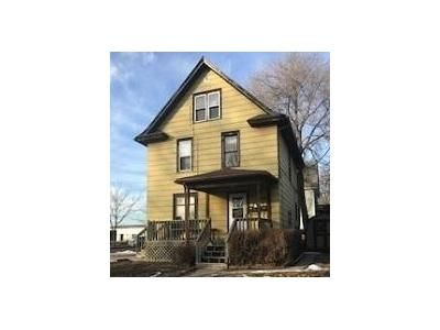 2 Bed 3 Bath Foreclosure Property in Aberdeen, SD 57401 - 4th Ave SW