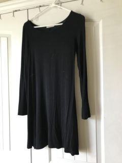 Hearts and hips black long sleeve T-shirt dress. Size small