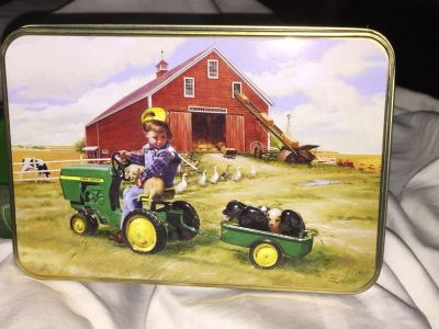 Smith and Wesson John Deere collectible knife and tin