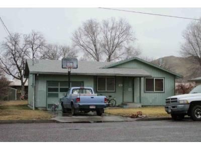 3 Bed 1 Bath Foreclosure Property in Vale, OR 97918 - 15th St