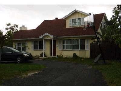 3 Bed 3 Bath Foreclosure Property in Saint Petersburg, FL 33703 - 60th Ave NE