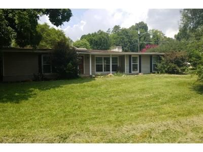 3 Bed 2 Bath Preforeclosure Property in Knoxville, TN 37918 - Terrace View Dr