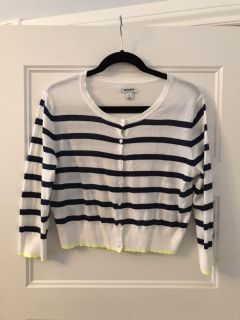 Cute white shirt cardi with navy stripes, size L, but could also for M