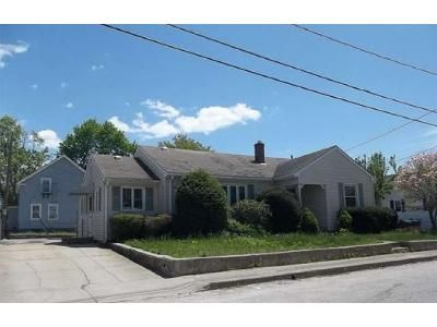 2 Bed 1 Bath Foreclosure Property in West Warwick, RI 02893 - Pond St