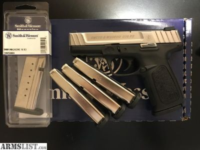 For Sale: Smith and Wesson SD9VE w/5 factory magazines