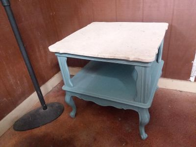 Beautiful refinished vintage end table