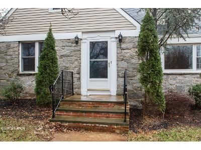 4 Bed 3 Bath Foreclosure Property in Somerville, NJ 08876 - E Spring St