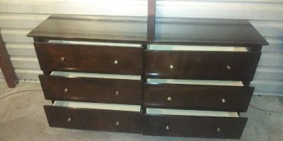 Solid wood 6 drawers dresser in great condition