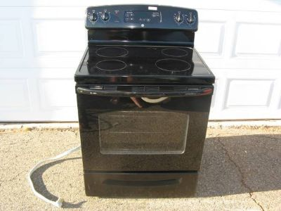 GE Electric Smooth Top Range / 5.3cu.ft Oven New