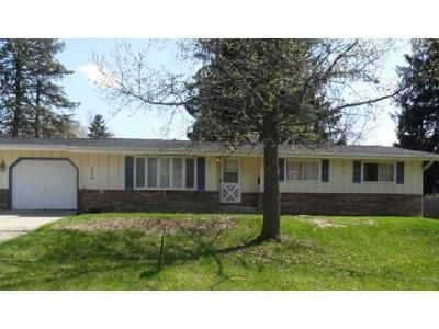 3 Bed 2 Bath Foreclosure Property in Toledo, OH 43615 - Judge Dr