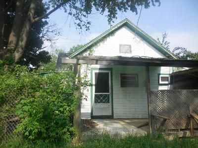 2 Bed 1 Bath Foreclosure Property in Springfield, OH 45506 - S Western Ave
