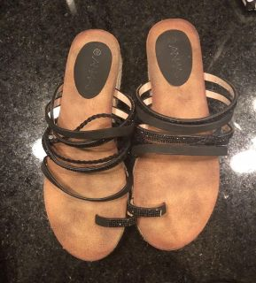 Like new Anna sandals size 9