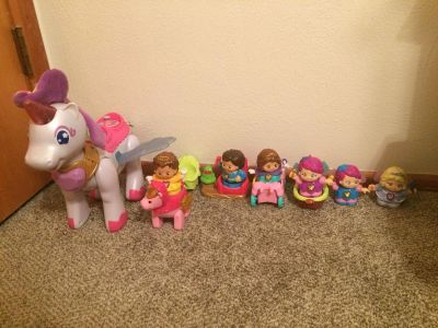 Vtech Unicorn and extra Little People