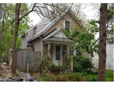 2 Bed 1.0 Bath Preforeclosure Property in Minneapolis, MN 55417 - 45th Ave S