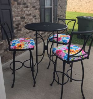 GORGEOUS 4 PIECE PATIO FURNITURE