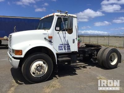 1995 International 4900 S/A Day Cab Truck Tractor