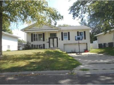 3 Bed 1.5 Bath Foreclosure Property in East Peoria, IL 61611 - Kickapoo Dr