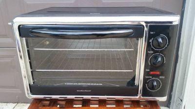 Large Hamilton Beach Countertop Oven - GREAT Condition