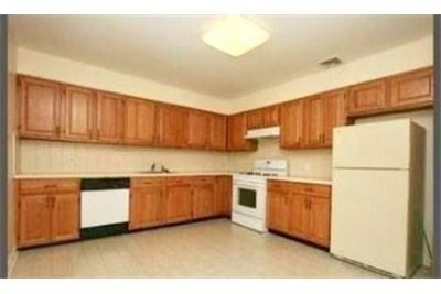 Spacious 3 Bedroom 2 Bath Apartment in Duplex Located in Harrison. Pet OK!