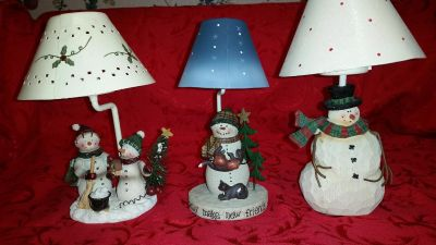 Excellent condition 3 different Snow People tea light candle holders with shades! Absolutely so adorable & festive?