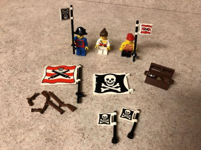 Lego Pirate Mini Figures and extras