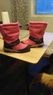 Kamik winter boots for girl size 12