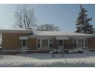 3 Bed 1 Bath Foreclosure Property in Wheeling, IL 60090 - Wille Ave