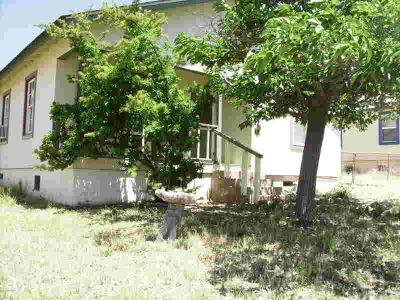 322 Park Avenue BISBEE Two BR, Sweet little Bungalow on a very