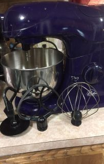 WOLFGANG PUCK BISTRO STAND MIXER with accessories