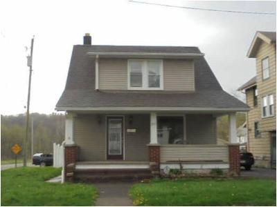 2 Bed 1 Bath Preforeclosure Property in Lowellville, OH 44436 - W Wood St