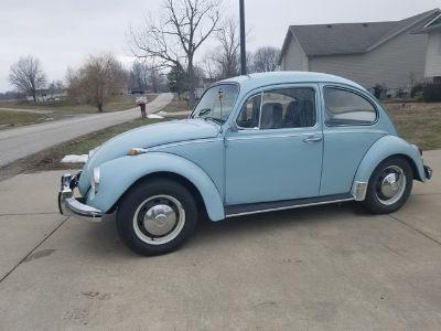 1968 Volkswagen Beetle (Baby Blue)