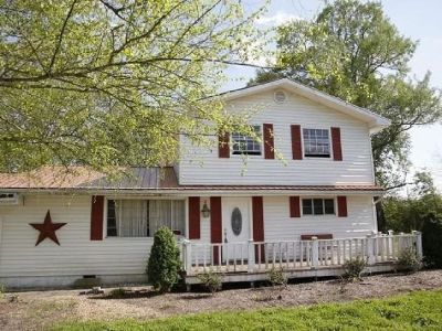 Single Family Home in Pikeville TN 5 bed 2 bath
