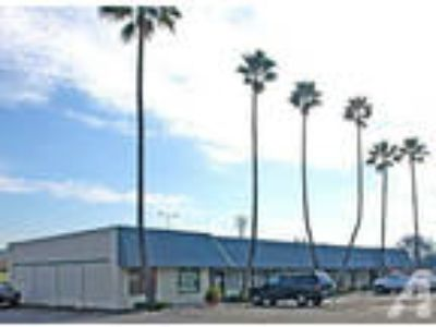$700 / 609ft - 4444 Manzanita Ave #3 - Nice Retail/Office Space in Carmichael