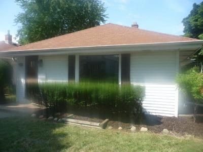 2 Bed 1 Bath Foreclosure Property in Milwaukee, WI 53215 - S 34th St
