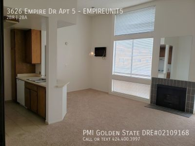 Spacious Owners Unit! 2bd/2bth Apartment in Culver City!