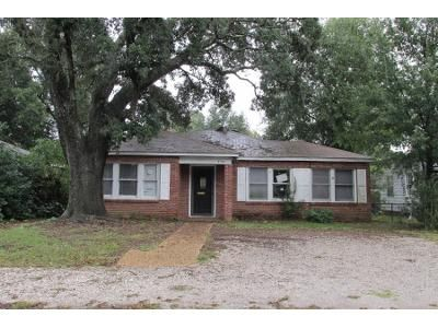 3 Bed Preforeclosure Property in Gulfport, MS 39501 - Pine Ave