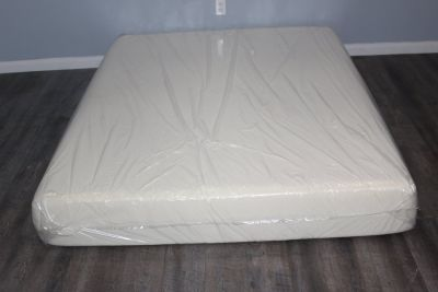 Queen Size Tempurepedic Mattress