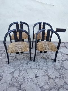 (4) chairs