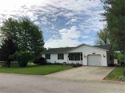 627 West Apache Drive BLOOMINGTON Three BR, Affordable living and