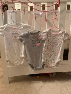Carters onesies size 6 months